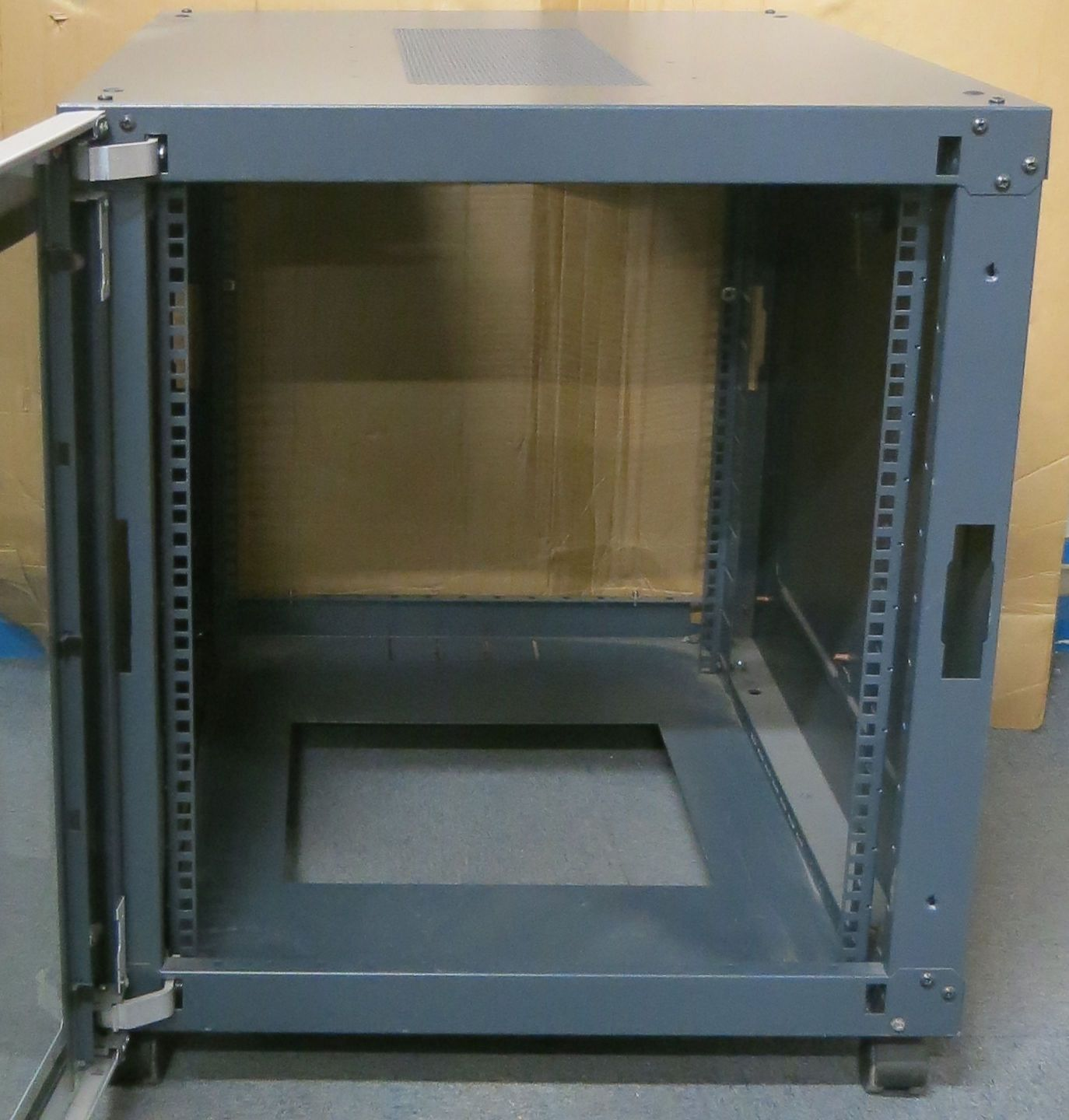 Rack Mount Enclosures : U systems rack mount server networking cabinet